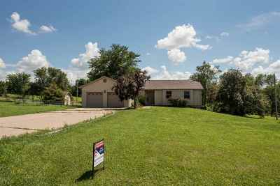 Manhattan Single Family Home For Sale: 6767 Deer Trail Road