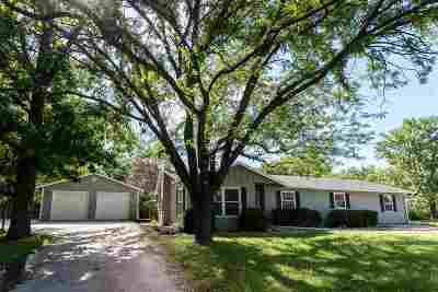 Riley County Single Family Home For Sale: 2209 Lawrence Road