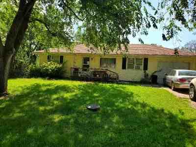 Hope KS Single Family Home For Sale: $46,000