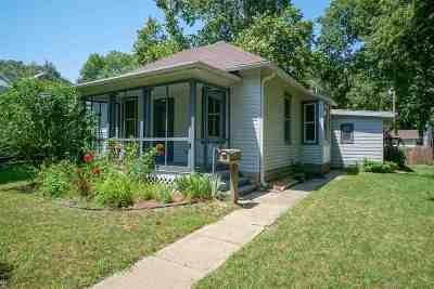Riley County Single Family Home For Sale: 812 Colorado Street