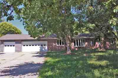 Wamego Single Family Home For Sale: 4554 Prairie Ridge Drive