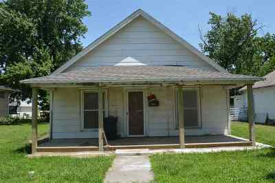 Herington Single Family Home For Sale: 416 N 8th Street