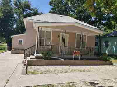 Herington Single Family Home For Sale: 111 S 2nd