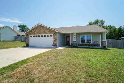 Riley Single Family Home For Sale: 207 Bergsten Court