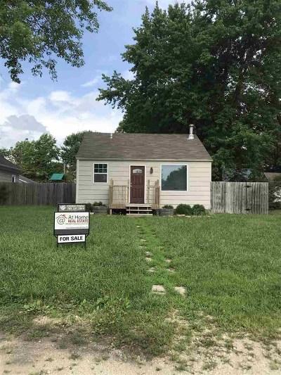 Riley Single Family Home For Sale: 111 S Iowa Street