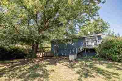 Wamego Single Family Home For Sale: 4695 Bluebird