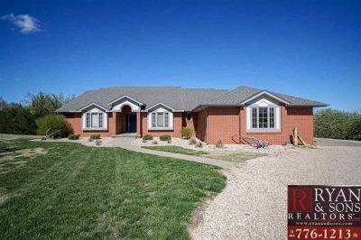 Manhattan Single Family Home For Sale: 5910 Stony Brook Drive