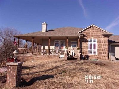 Wamego Single Family Home For Sale: 5044 Auburn Drive