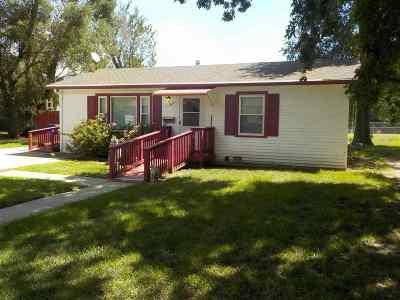 Junction City Single Family Home For Sale: 1513 Custer Road