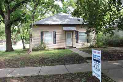 Wamego Single Family Home For Sale: 710 Chestnut Street