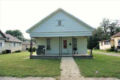 Herington Single Family Home For Sale: 509 S A Street
