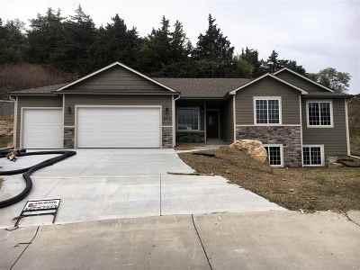 Manhattan Single Family Home For Sale: 4915 Shadowridge Drive