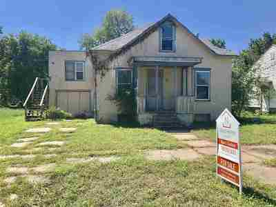 Junction City Single Family Home For Sale: 335 W 15th Street