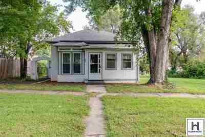 Junction City Single Family Home For Sale: 224 W Walnut Street