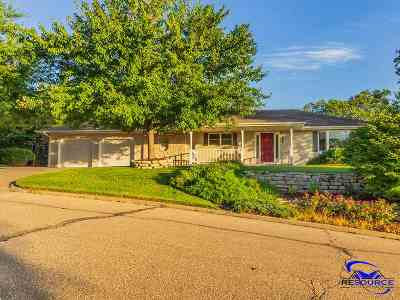 Manhattan Single Family Home For Sale: 2004 Rockhill Circle
