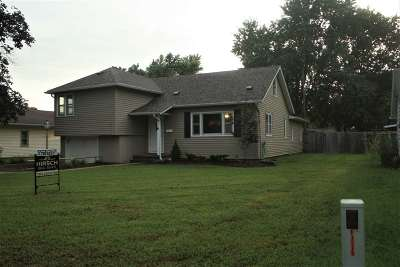 Dickinson County Single Family Home For Sale: 1610 N Olive Street
