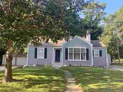 Riley County Single Family Home For Sale: 1100 Pomeroy