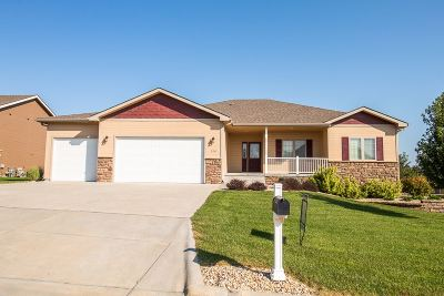 Riley County Single Family Home For Sale: 720 Leyden Ridge Drive