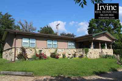 Riley County Single Family Home For Sale: 3031 Freeman Circle