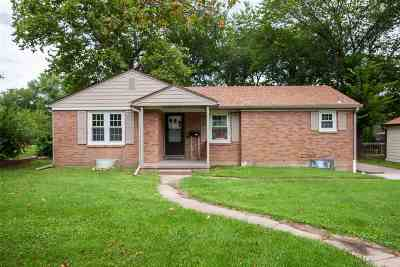 Riley County Single Family Home For Sale: 1938 Hunting Street