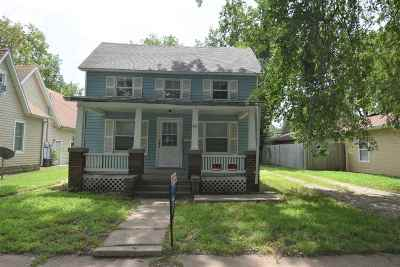 Riley County Single Family Home For Sale: 611 Vattier
