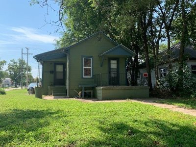 Riley County Single Family Home For Sale: 1003 Yuma