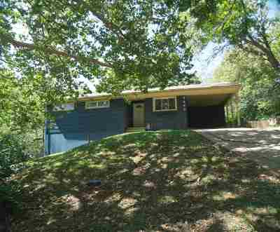 Riley County Single Family Home For Sale: 2442 Rebecca Road