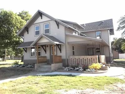 Minneapolis KS Single Family Home For Sale: $165,000