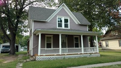 Bennington Single Family Home For Sale: 217 North Nelson Street