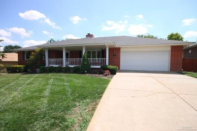 Salina Single Family Home For Sale: 2310 Hillside Drive
