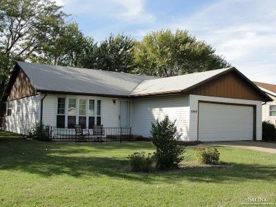 Salina Single Family Home For Sale: 2742 Linda Lane