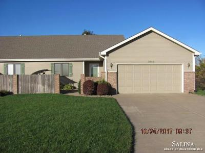Salina Single Family Home For Sale: 1942 Foxtail Drive