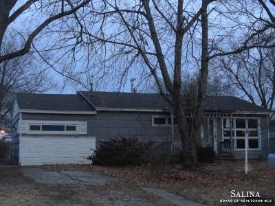 Salina Single Family Home For Sale: 625 Steahlin Avenue