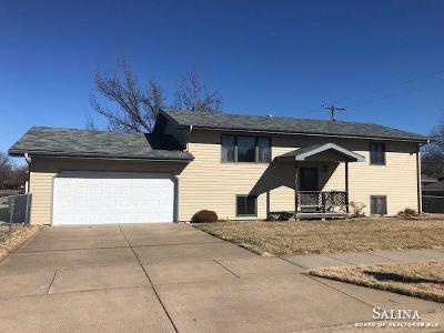 Salina Single Family Home For Sale: 401 East Neal Avenue