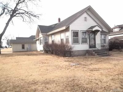 Minneapolis KS Single Family Home Under Contract: $65,000