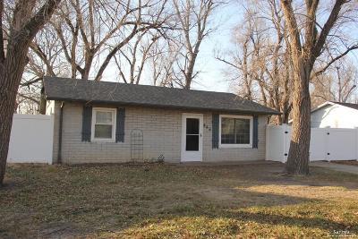 Salina Single Family Home For Sale: 866 Hemlock Drive