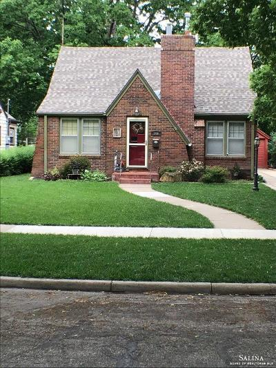 Salina KS Single Family Home For Sale: $171,900