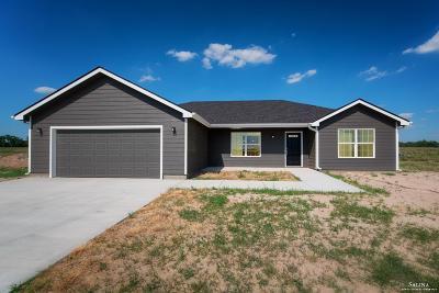 Salina Single Family Home For Sale: 2213 Saddlebrook Lane
