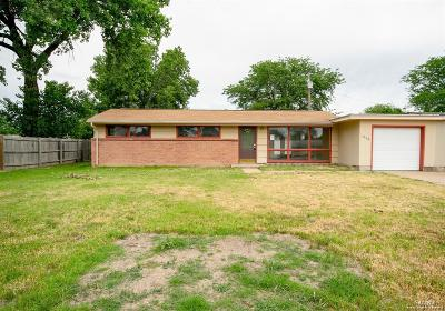 Salina KS Single Family Home For Sale: $61,300