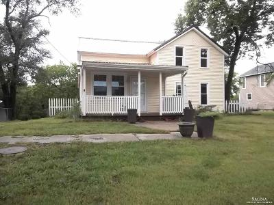 Minneapolis KS Single Family Home For Sale: $110,000