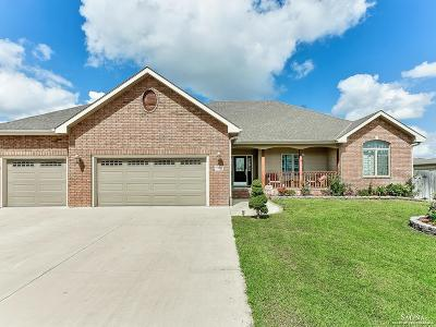 Salina Single Family Home For Sale: 1385 Eaglecrest Avenue