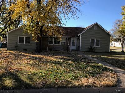 Minneapolis KS Single Family Home For Sale: $75,000
