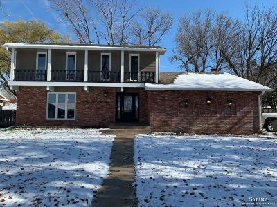Salina Single Family Home For Sale: 2243 Leland Way