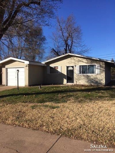 Salina Single Family Home For Sale: 1114 Yale Avenue