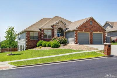 Salina Single Family Home For Sale: 2112 Brookefield Drive