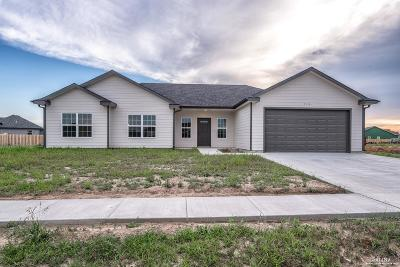 Salina Single Family Home For Sale: 2210 Saddlebrook Drive