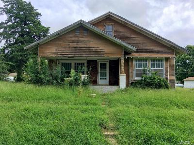 Bennington Single Family Home Under Contract: 310 Lincoln Street