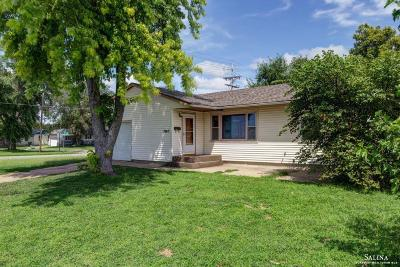 Salina Single Family Home For Sale: 1803 Westwood Road
