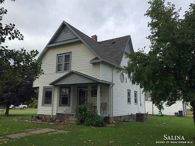 Single Family Home For Sale: 309 North Michigan Street