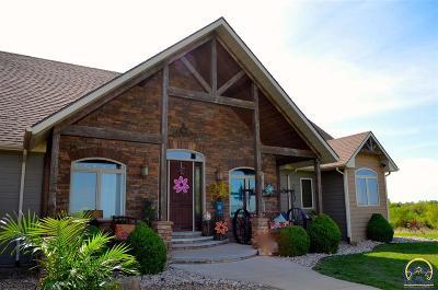 Emporia Single Family Home For Sale: 1759 Road R1